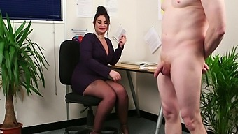 Clothed Bbw Nicola Kiss Watches A Naked Man Jerk His Meat
