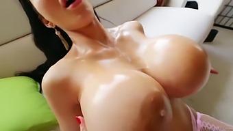 Amy Anderssen - Titfuck