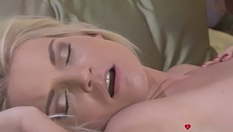 Handsome Babes Alexis Crystal And Lena Love Make Each Other Cum