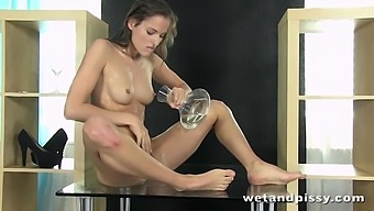 Pissing Queen Silvie Luca Works On Her Smelly Shaved Pussy So Damn Nice