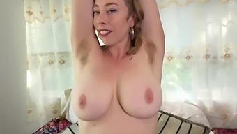 Enjoy Hairy Armpits Of Lewd Curvy Milf Vestacia