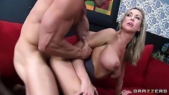 Horny Guy Fucks Alluring Cougar - Johnny Sins And Brandi Love