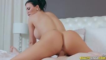 Jasmine Jae And Jordi El Nino Polla - Nymphomaniac Milf Loves Gigantic Dicks