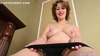 Yulenka Cleaning Upskirt And Hairy Pussy Play