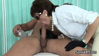 Adulterous In English Milf Female Sonia Flaunts Her Large Tits16ebt