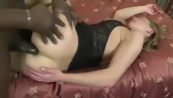 Black Milf With The Use Of Bbc Anal