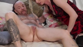 Mandy Mitchell Serves As A Chicken With A Dick Prepared For A Kinky Action