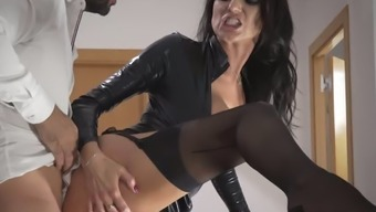 Delightful Raven Haired Milf In Beautiful Leather Coat Of Paint Gets Fucked On Stairways Challenging