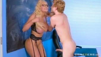 Nicolette Shea Serves As A Perverted Coach Hunger An Erected Cock