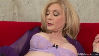Age Girl Nina Hartley Is Fascinated About A Hunk'S Fat Macronutrients Lift