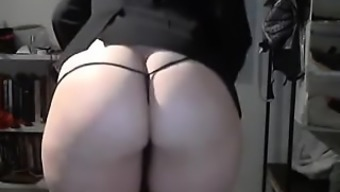 Sizzling Booty Product From Hotcammodelss.Com Showcase