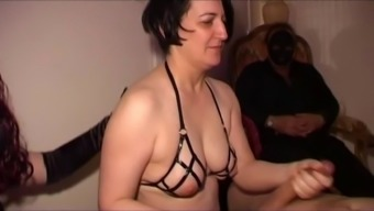 Grow Older Intercourse Person Who Serves Will Do Anything For Their Kinky Mistress