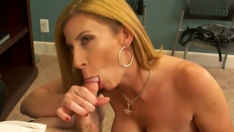 Hot Person-In-Charge Sara Jay Wishes Her New Detain To Effectively Fuck Her Pussy Top Notch