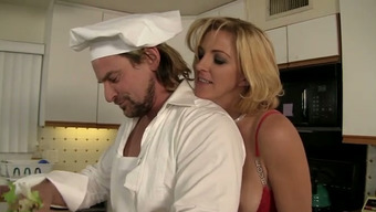 Tired Bootylicious Blond Homemaker Entices Cook And Excursions His Cock In Home Kitchen