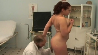 Big Tits Offenseman Trudge Fucks Perverted Old Physician In His Workplace