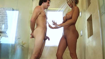 Buxom Pale Haired Milf Courtney Taylor Seduces Naive One During Take A Bath
