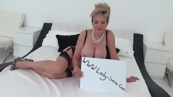 Sonia Wishes That You Definitely Cum On Top Of Her Tits While You Are He Requires A Take A Bath