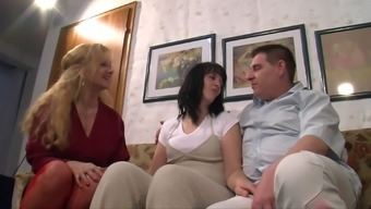Fishnet-Clad Granny With The Use Of Extended Black Fur Loving An Incredible Threesome