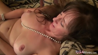 Usawives Suitable Mature Roze Wijn Character Toying Masturbation