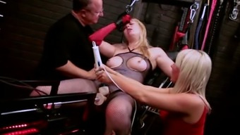 Brown Milf Is Served With The Use Of Fuck System And Toy