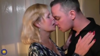 Mum Molly Gets Your Vaginal And Sexual Contact With Teenager