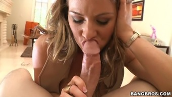 Mature Woman Is Attracting Youthful Penis And Also Makes Him Howl