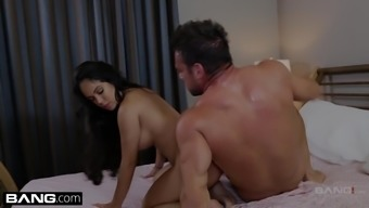 Cumming While Hosting Her Pussy Eaten