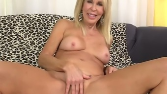 Erica Lauren Is Magnificent Cougar That Need To Get Senior Cunt Fucked