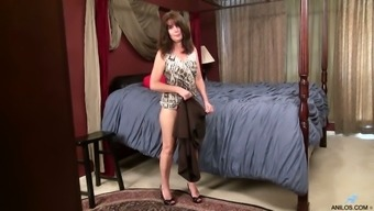 Torrid Dark Haired Mature Nympho Shelby Ray Is Eager To Pet Her Unshaved Slit