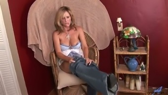 Kinky Blond Haired Milf Jodi West Undresses To Tease Her Wet Pussy